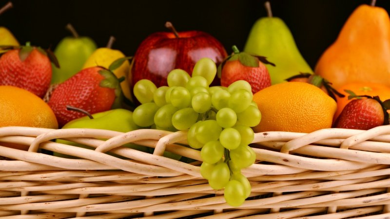 BEST 9 FRUITS FOR GLOWING SKIN