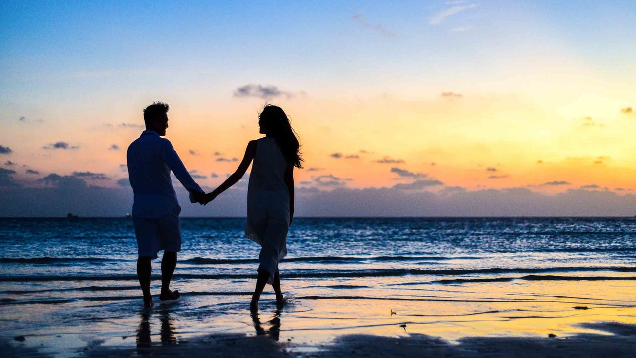 THE CHOICES WHICH CAN MAKE COMMITTED SOMEONE AND STAY FOR EXISTENCE-COMMITTED RELATIONSHIP